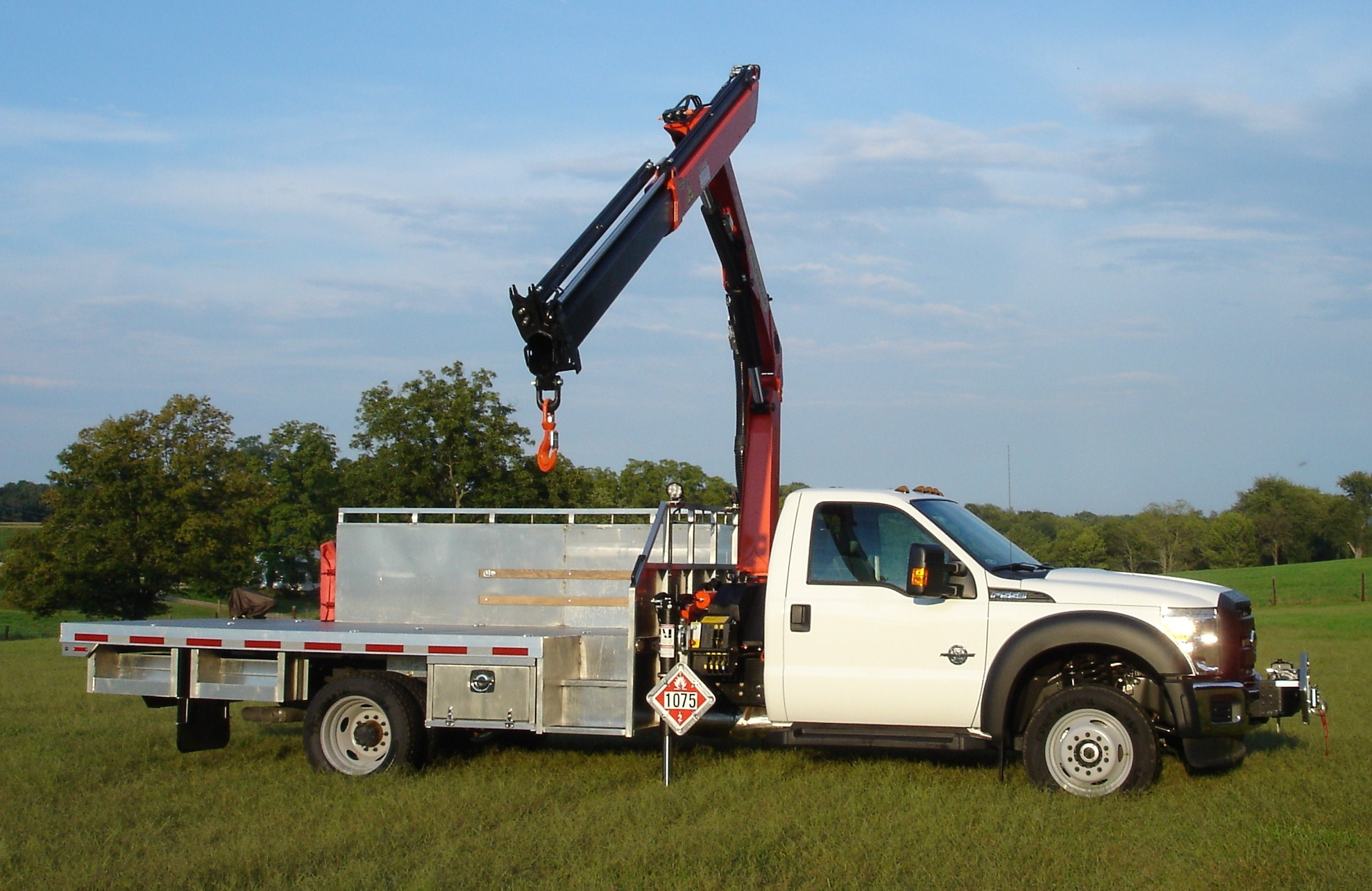 AL Custom Propane Body – crane